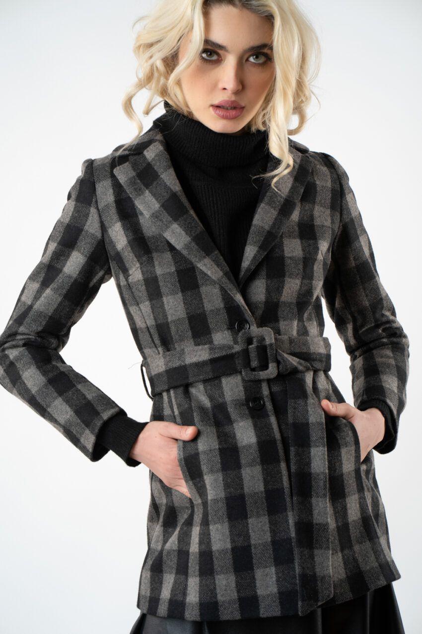 1 palton scurt in carou i21 Ivona
